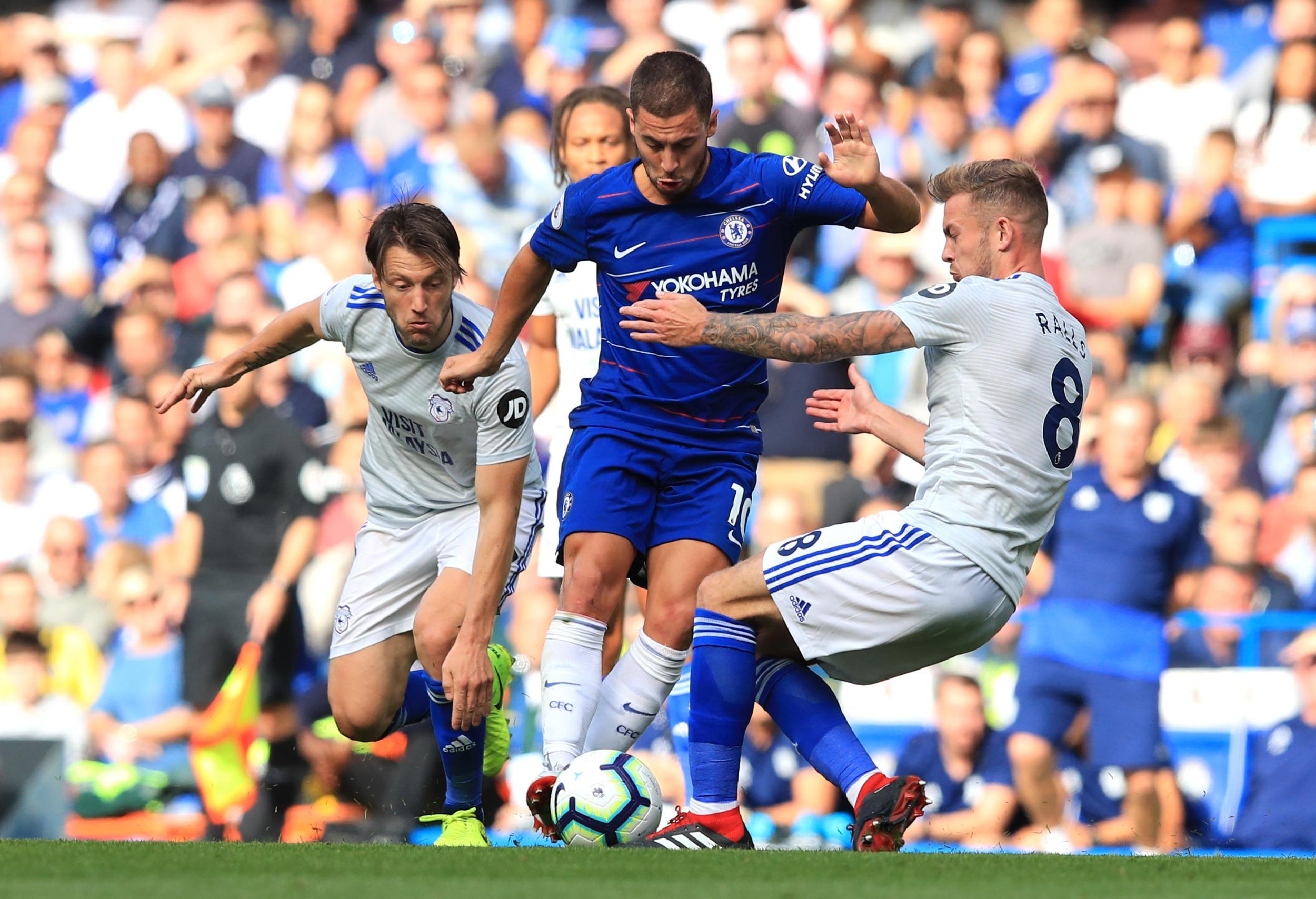 Hazard bùng nổ, Chelsea ngược dòng đánh chiếm ngôi nhất bảng