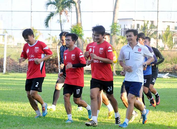 Trở lại sau quãng nghỉ, CLB Long An tập luyện chuẩn bị mùa giải 2019