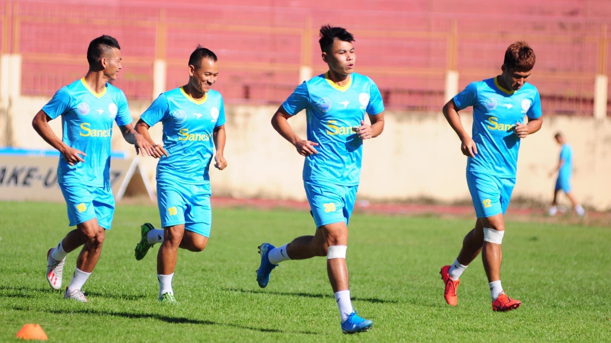 Bị nợ lương từ đầu mùa, các cầu thủ Khánh Hoà đồng loạt bỏ tập?